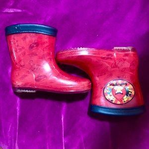 Other - Toddler Boys Angry Bird Rain Boots size 9/10